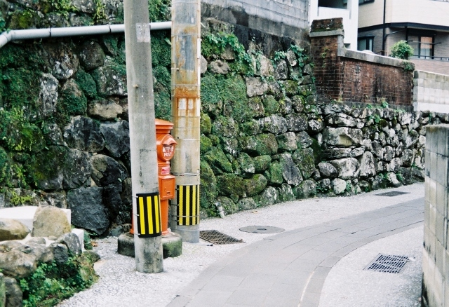 長崎スナップ 伊良林 ポスト 安心隙間ライフ silvif2.8 fuji100 20131130 06 (640x438).jpg